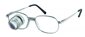 Vergrößernde Sehhilfen Lupenlesebrille